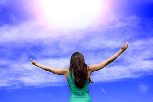 woman-displaying-gratitude